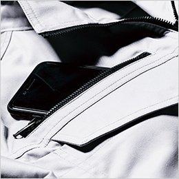右胸ファスナーポケット