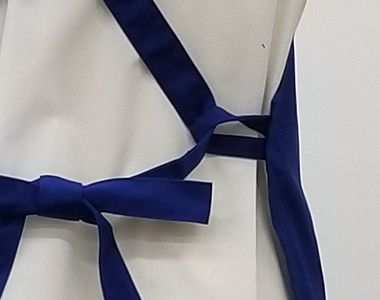 10032 桑和 胸当てエプロン(ペン差し付き) X型(男女兼用) エプロンの通し穴は同じ生地