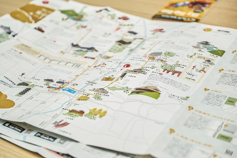 パンフレットは日本語版と英語版を用意